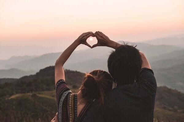 Vad är skillnaden mellan kärlek och behov?