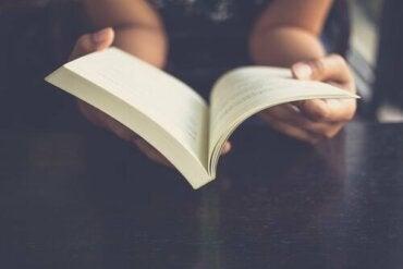 Vad händer med hjärnan när man läser