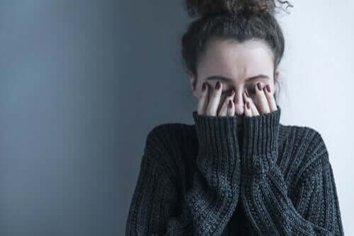 Kvinna med ångest.
