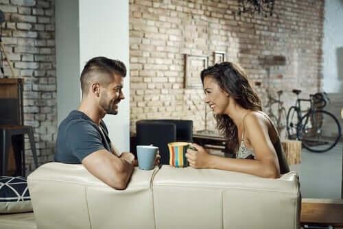 Bestämd kommunikation för par – lär er kommunicera