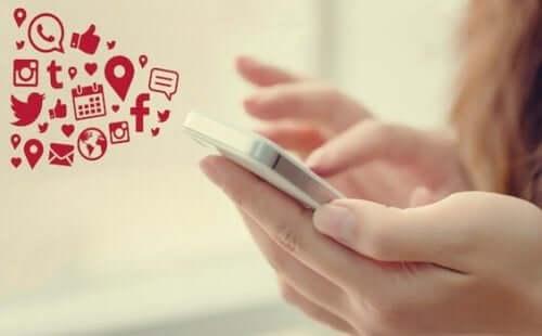 Man kan få internetvänner via olika sociala medier