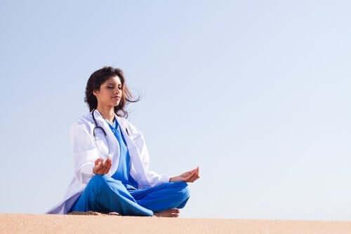 Känslomässig reglering bland sjukvårdspersonal
