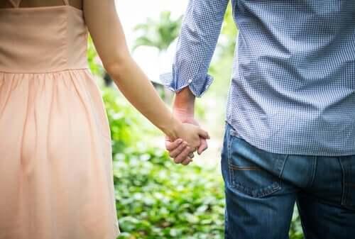 Din anknytningsstil under barndomen påverkar dina relationer