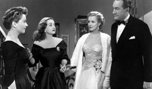 En scen från en film med Bette Davis