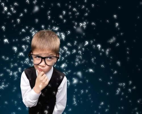 Ett barn med många frågor