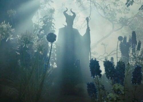 Maleficent i bakgrunden