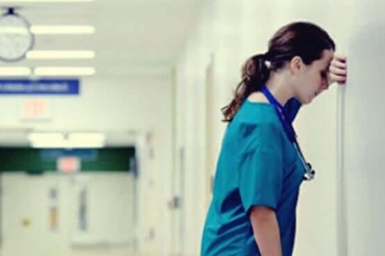Många vårdgivare arbetar under påfrestande förhållanden