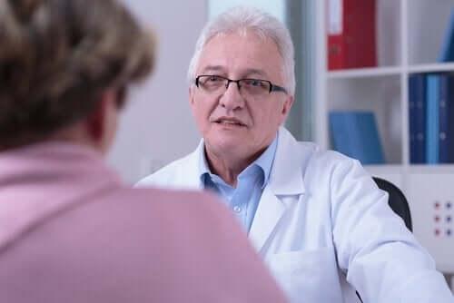 Doktor med patient