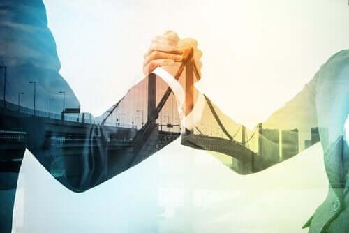Att medla med ett fast handslag löser problem