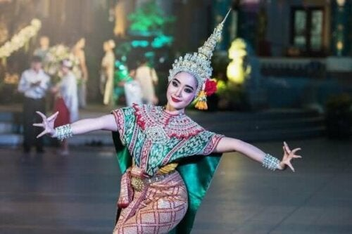 Kvinna dansar