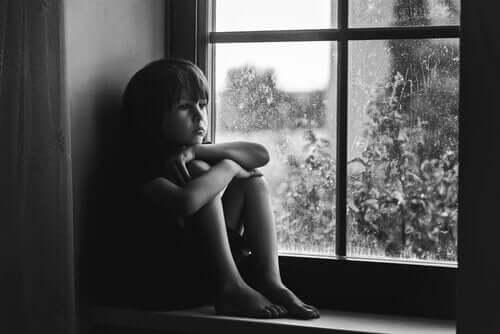 Emotionellt övergivande och försummelse av barn