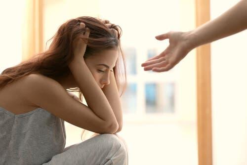 Varför har vissa människor svårt att be om hjälp?