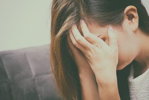 Att sakna en försvunnen person genom tårar