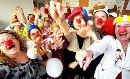 Skratterapi utvecklas i grupper