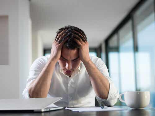Förhållandet mellan mental hälsa och finansiell stress
