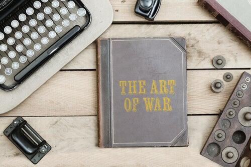Boken Krigskonsten, skriven av strategen Sun Zi