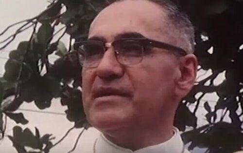 Monsignore Óscar Romero: en biografi över ett helgon