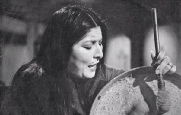 Mot slutet av sitt liv experimenterade folksångerskan Mercedes Sosa med rockmusik