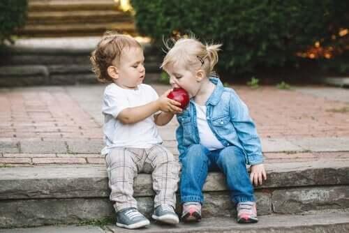 Prosocialt beteende är bl.a. att kunna dela med sig