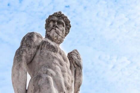 En staty av Herakles