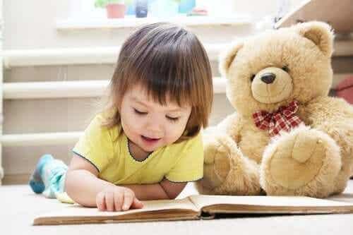 Lära sig läsa med stavelsemetoden steg för steg