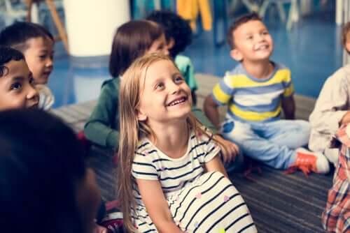 Att bygga ett värderingsträd är en rolig aktivitet för barn