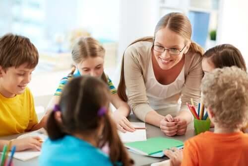 Att skapa ett värderingsträd hjälper barn att samarbeta