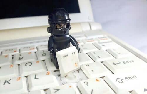 Psykologin bakom fenomenet phishing: När mejl blir farliga