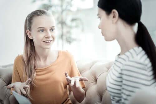 Föräldrarna bör spela en aktiv roll i anorexibehandlingen