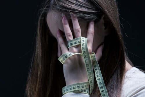 Ungdomar med anorexi måste bygga upp en sund identitet