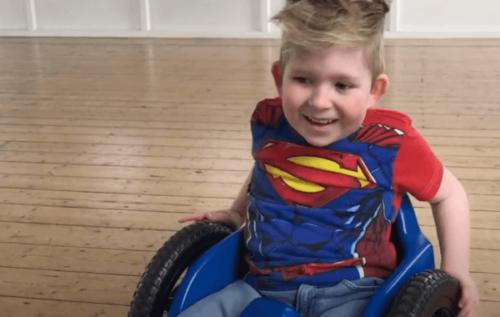 Noah Wall, ett barn med en mirakulös hjärntillväxt