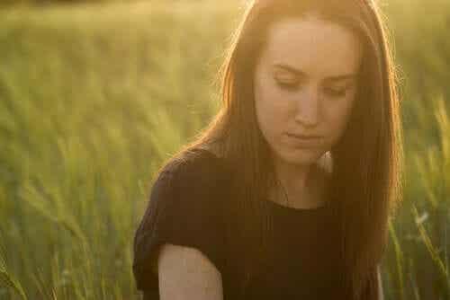 Varför blir sorgen djupare efter ett giftigt förhållande?