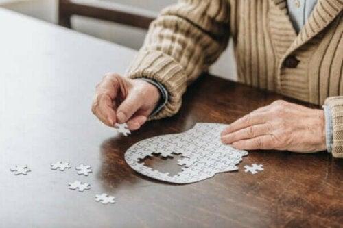 Skillnaderna mellan Alzheimers och Parkinsons