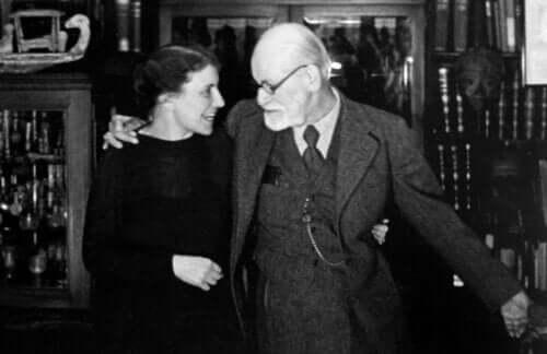 Anna Freud byggde vidare på faderns arv