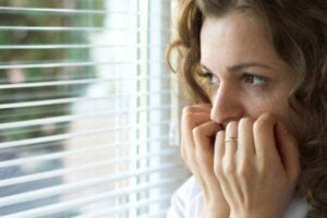 Känner du till dessa typiska symtom på agorafobi?
