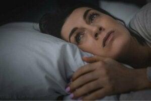 Brist på sömn kan få dig att känna dig ensam