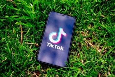 De psykologiska effekterna av appen Tik Tok