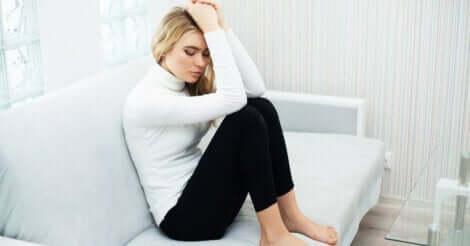 Separationsångest i nära relationer går ofta tillbaka på osäkra anknytningar i barndomen