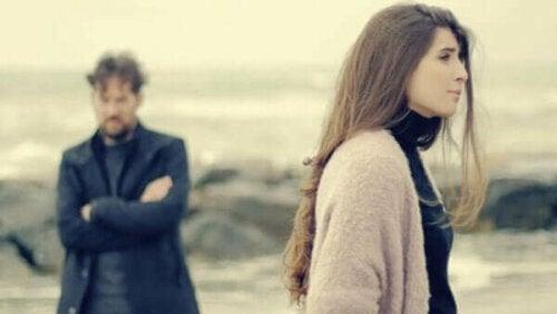 Separationsångest i nära relationer: yttringar och behandling