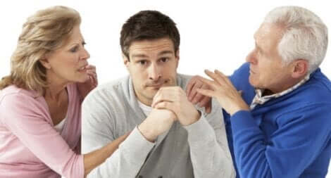 Föräldrar som kontrollerar sina vuxna barn