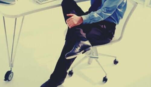 En man som inte kan sitta still