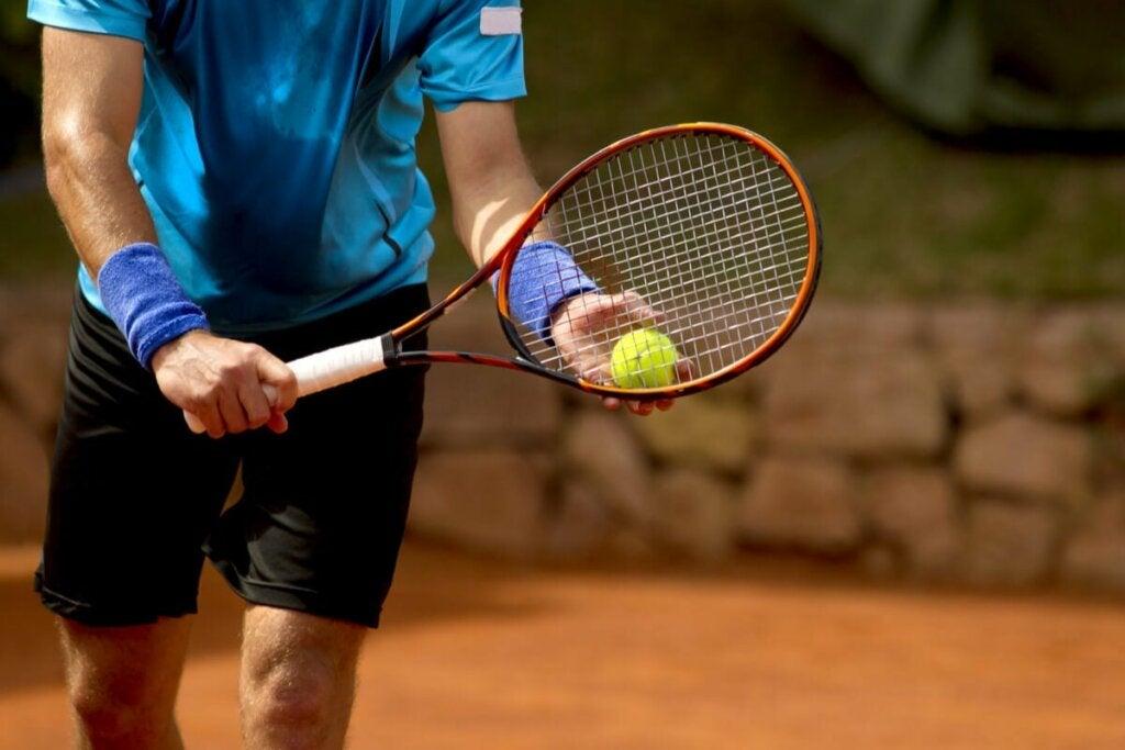 Koncentration är en viktig aspekt i tennispsykologi