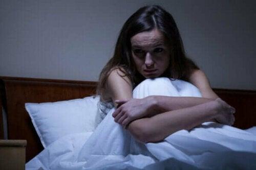 Nattlig ångest: orsaker och behandling