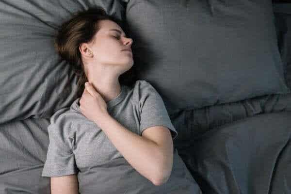 Hur kronisk smärta och sömn inverkar på varandra