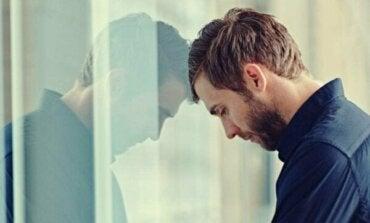 Här är förklaringarna till att ångest gör dig trött