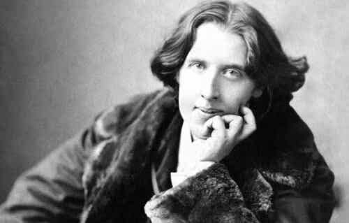 Biografi över Oscar Wilde: författarskap och en ökänd fängelsevistelse