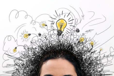 En person som har många idéer samtidigt