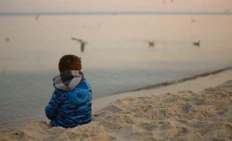 Vad kan göra att föräldrar väljer att överge sina barn?