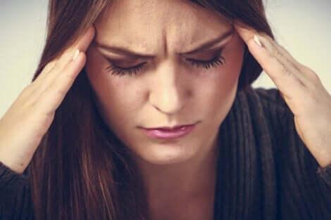 Störd sömn leder ofta till huvudvärk