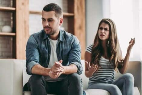 Om man vill bryta cykeln av negativa interaktioner i förhållanden måste man ta ansvar för sin egen roll